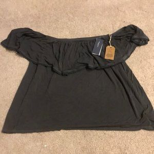 NEW AMERICAN EAGLE off the shoulder crop top